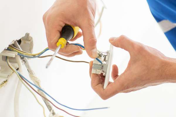 Thợ sửa điện nhanh chóng tại quận Gò Vấp