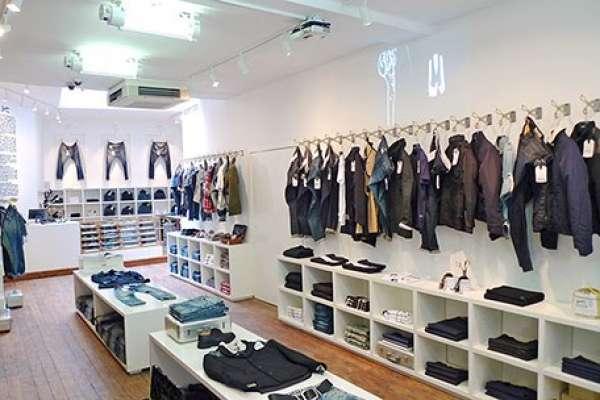 Khoan kệ treo tường cho shop thời trang nhanh chóng