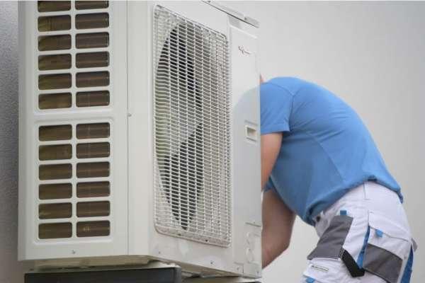 Thợ sửa máy lạnh tại quận 9